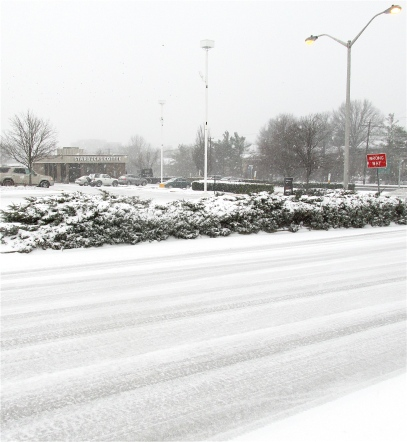 SNOW -- DO YOU REALLY WANT TO DRIVE IN WEATHER LIKE THIS?